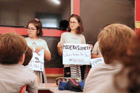 Alunos do Year 6 participam de projeto internacional de conscientização sobre escravidão moderna