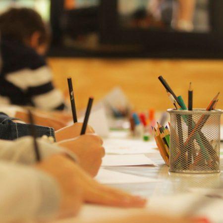 Entenda como o biletramento proporciona ganhos cognitivos e sociais às crianças